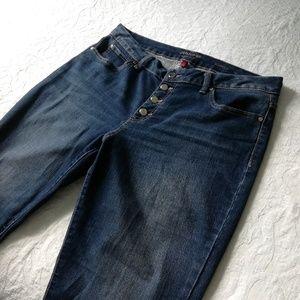 Jennifer Lopez  Dark Wash Bootcut Jeans W/Gold
